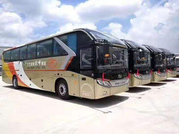 50座大巴车
